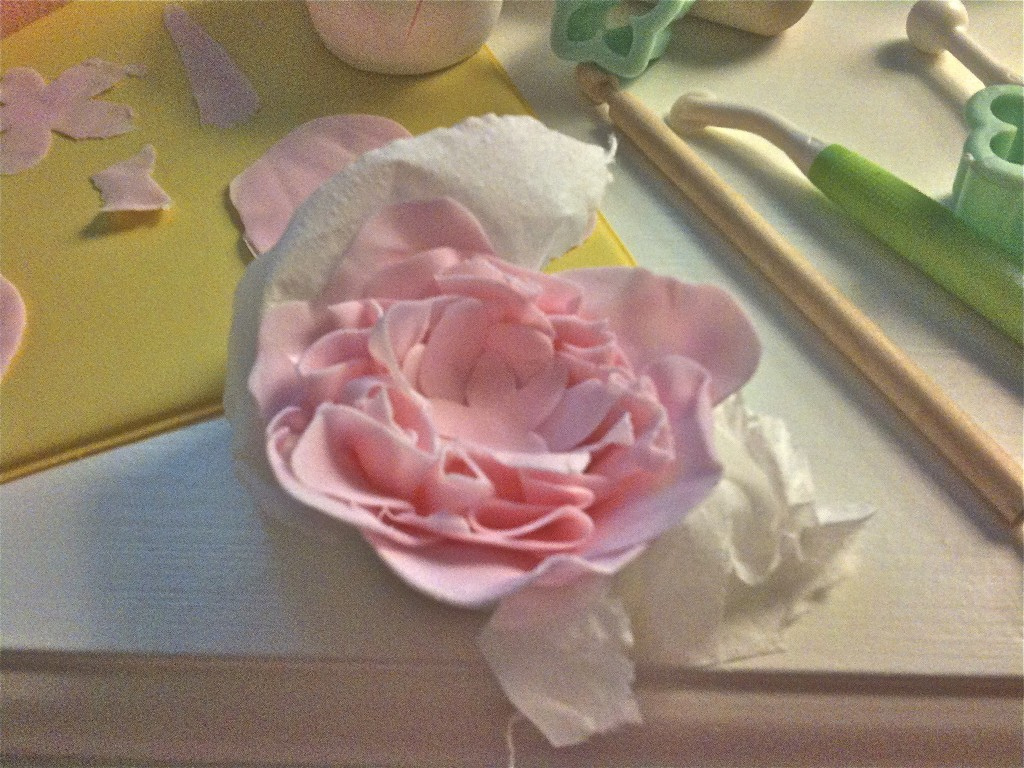 Gum paste flowers Gum paste and How to make on Pinterest